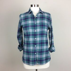 Women's Woolrich well worn plaid shirt